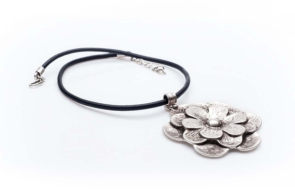 Посребрен медальон КН-0301002005